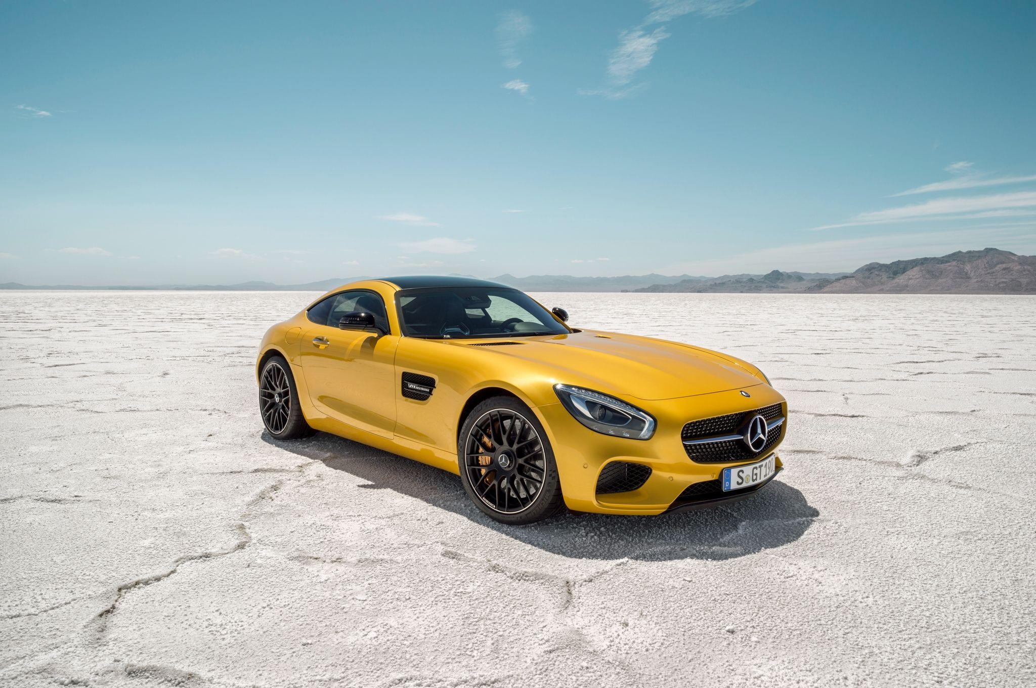 New Mercedes Benz Amg Gt Is Flashy High Performance Sports Car