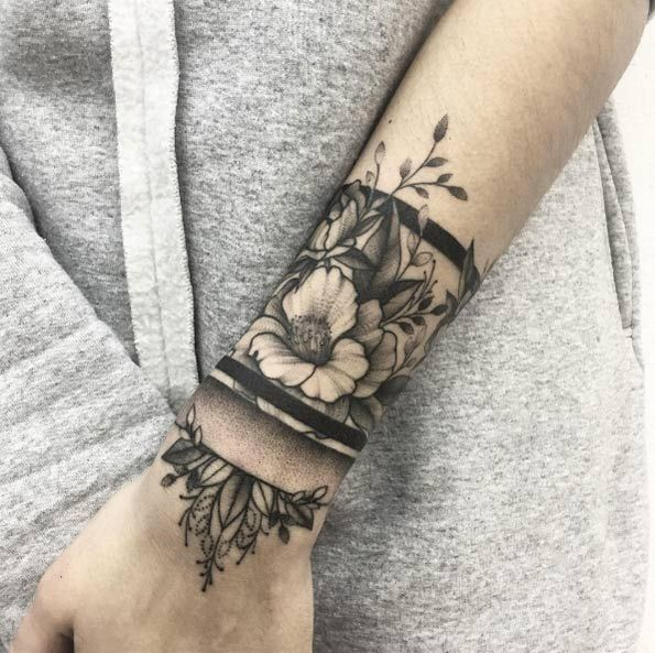 54 Classic Floral Tattoo Ideas For Spring Tattoos On Women