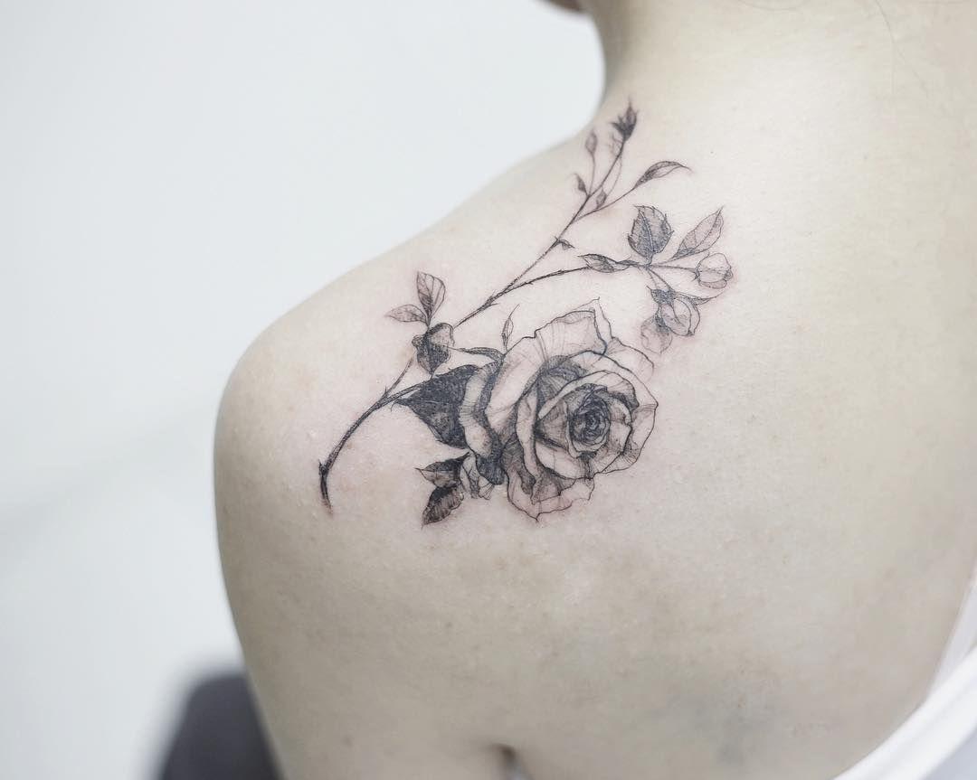 rose  #tattoo#tattoos#tattooing#tattoowork#tattooart#artist#tattooartist#flowertattoo#blackwork#tattoomagazine#flower#rose#rosetattoo#art#germany #europe #tattooink #germanytattoo#frankfurt #타투#장미타투#어깨타투#꽃타투#독일타투#독일#타투이스트꽃 #tattooistflower