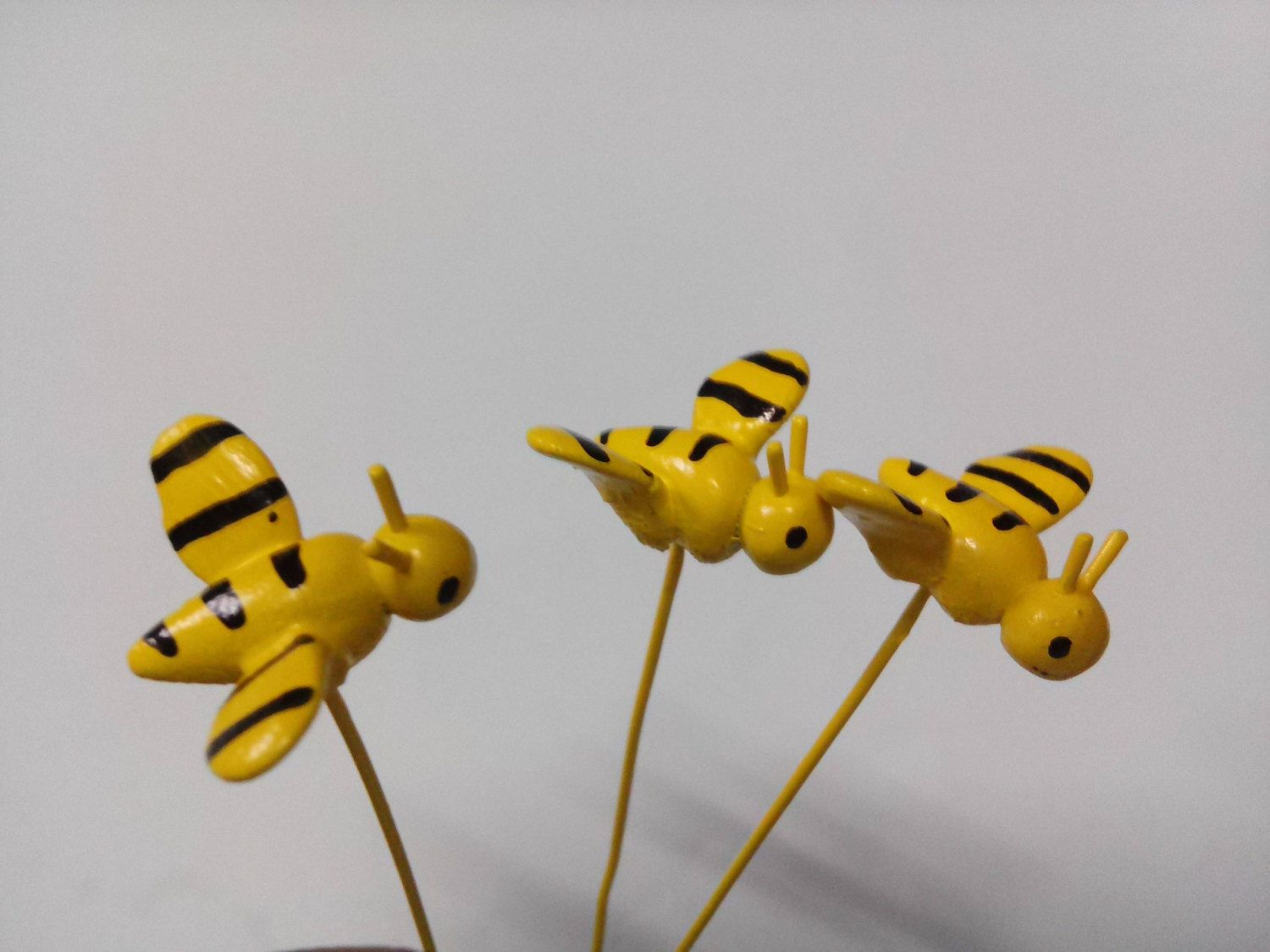 5 pcs miniature bee tiny garden miniature garden , tiny farm , tiny garden by Rattanagarden on Etsy