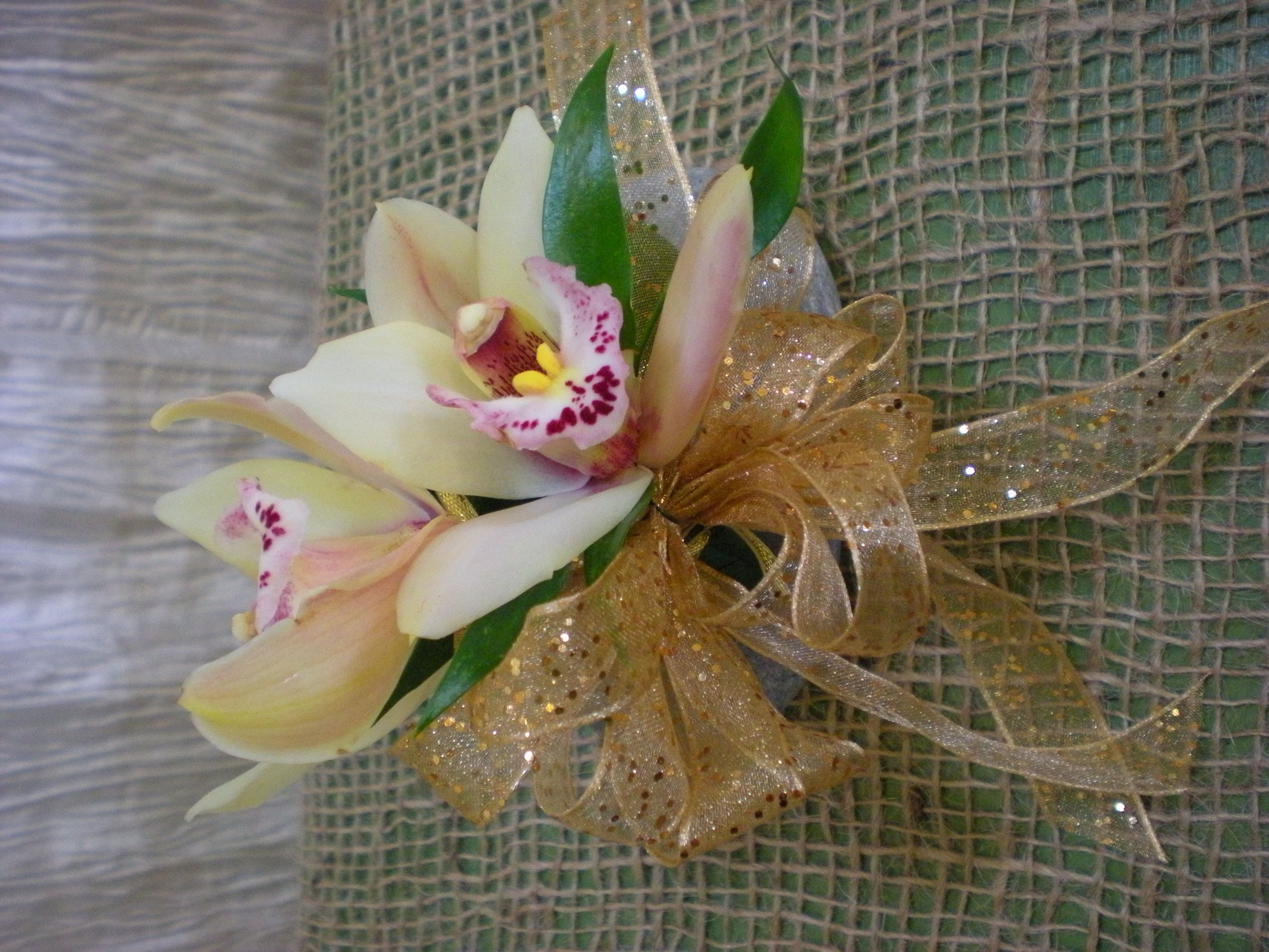 Cymbidium Orchid Wrist Corsages: What Color Corsage For Burgundy Dress