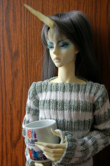New Norbaer's sweater. It made from cotton (green) and bamboo (white). Norbaer Princ is SOOM Heliot God Master. I love his hands so much.   #soom #bjd #doll #heliot