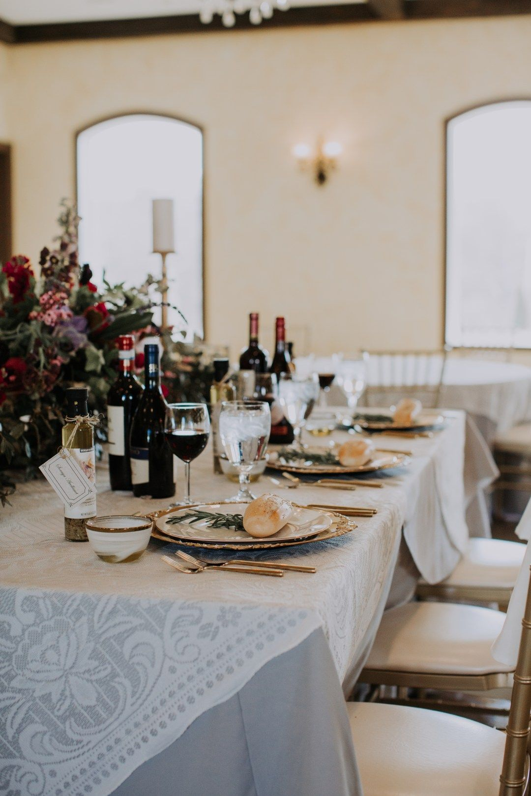 A romantic Tuscan inspired styled wedding shoot at the Tuscan Ridge