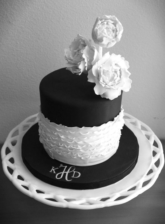 My Brother S Wedding Black And White Wedding Cake White Wedding