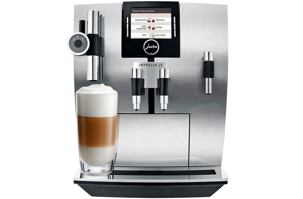 Jura Impressa J9.4 One Touch TFT  Jura Impressa J9.4 One Touch TFT: Uniek individueel en snel Houd jij van luxe eenvoudige bediening en goede koffie?Dan hoef je niet meer verder te zoeken de Jura Impressa J9.4 heeft het allemaal! Deze koffiemachine is werkelijk van alle gemakken voorzien. Zoals bijvoorbeeld de Aroma-molen hiermee wordt het aroma in de bonen maximaal bewaard. Zo geniet je altijd van koffie met een volle smaak.En wil je de espresso als cappuccino serveren? Ook dat kan heel eenvoudig met de Jura Impressa J9.4! Het automatische cappuccinosysteem maakt het aller mooiste melkschuim en de uitloop hiervan is in hoogte verstelbaar je maakt dus ook de prachtigste latte macchiato's! Met het uiterlijk van de Jura Impressa J9.4 zit het ook wel goed. Het uiterlijk is behoorlijk imponerend voor een koffiemachine maar de bediening is zeer intuïtief dankzij het kleuren TFT display.Deze machine kan dus niet anders dan indruk maken! Volautomatische espressomachine Pompdruk: 15 bar Vermogen: 1450 Watt Capaciteit