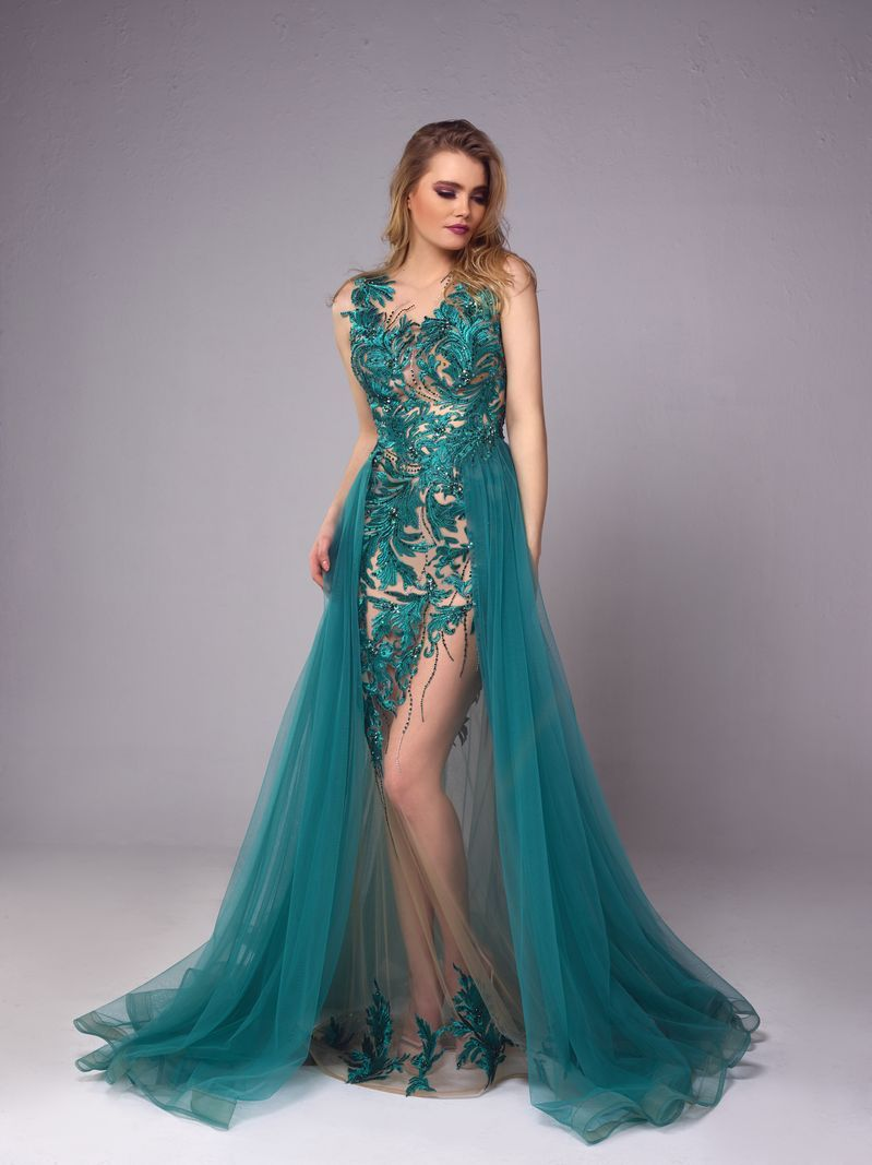 Evening Dresses And Gowns Short Or Long Evening Dresses Lebanon Evening Dresses Gorgeous Dresses Evening Dresses Long [ 1067 x 799 Pixel ]