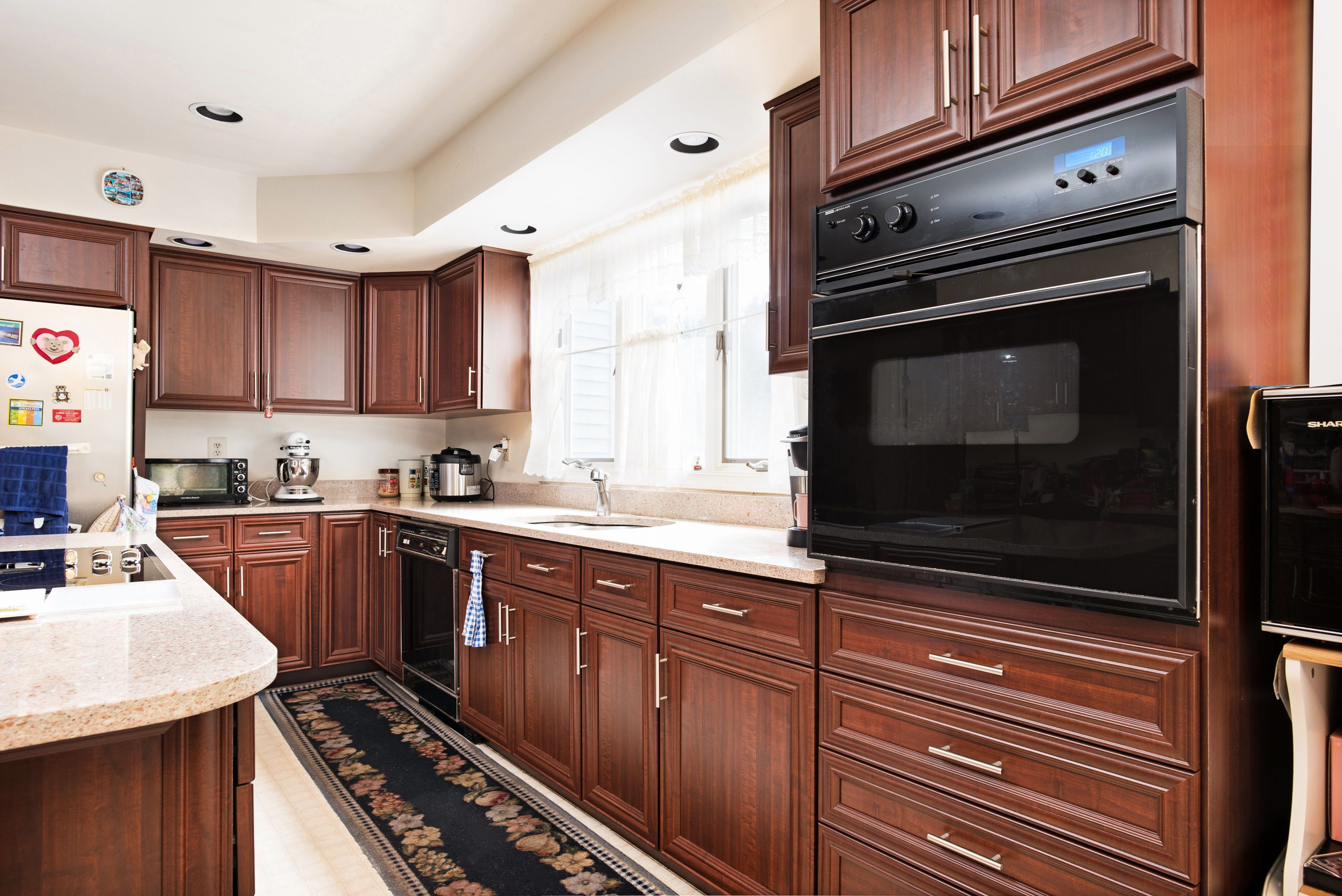 Pin On Brown And Bold Kitchens