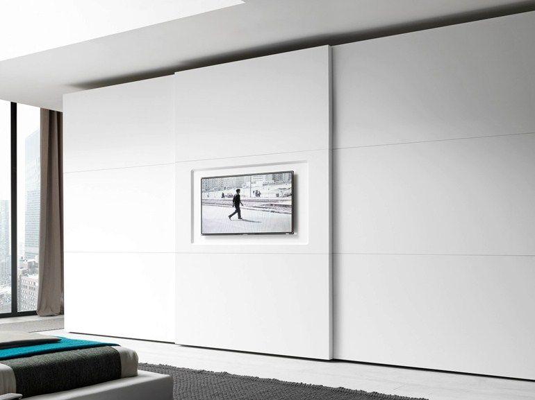 Elegant Lackierter Kleiderschrank mit Schiebet ren mit Integriertem TV TRIS YOU TV by Presotto Industrie Mobili Design Pierangelo Sciuto