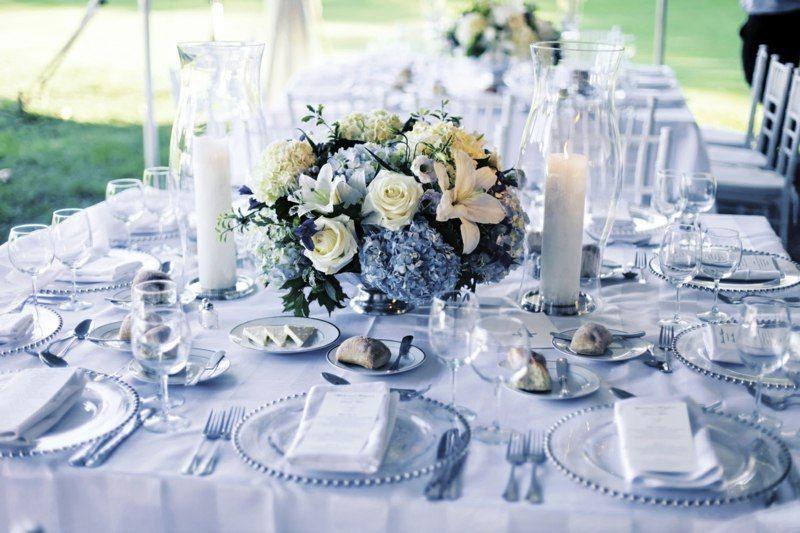 Tischdeko fr Hochzeit in edlen Silber und blauen Farben