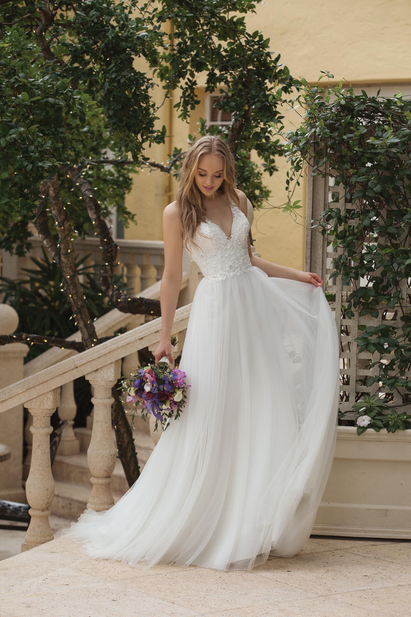 Brautkleider: Designer, Schnittformen und royale Hochzeitskleider