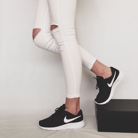zapatillas mujer nike negras y gris