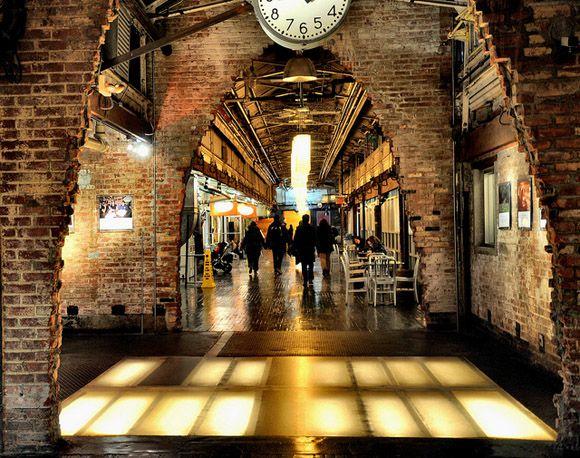 Chelsea Market chelsea-market-entrance (580×458) | arch1162 | pinterest