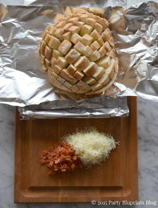 pull-apart-pepperoni-mozzarella-bread