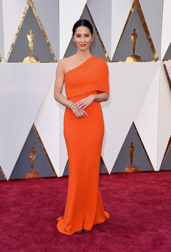 Pin by Radia Davis on Gowns 2 Da Gods | Oscar gowns, Oscar