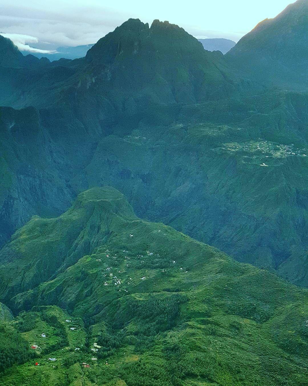 #reunionisland #reunion #lareunion #cirquedemafate #mafate #landscape #maïdo #maido #pointdevuedumaido #2200m #mountains by boubouboule