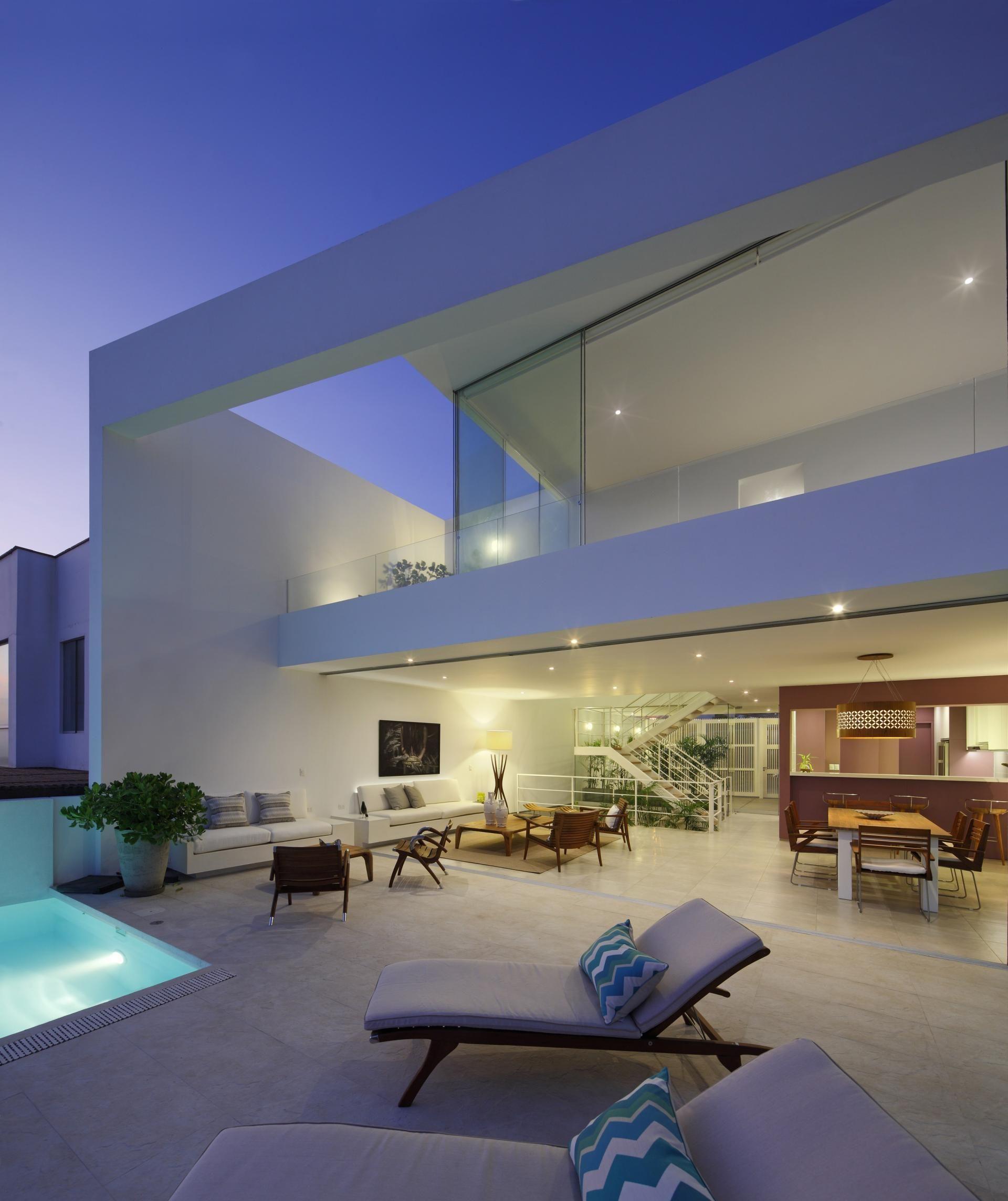 Ave house by martin dulanto arquitecto for Casa moderna arquitectura