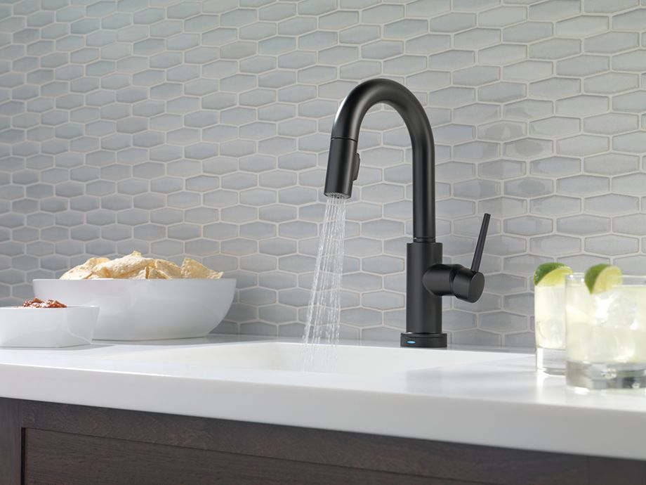 Go To The Dark Side 6 Reasons To Love A Matte Black Faucet Black Kitchen Faucets Bronze Bathroom Faucets Black Faucet