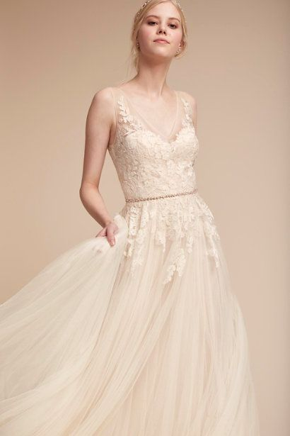10 Exquisitely Decadent Vintage-Style Wedding Dresses | Gowns ...