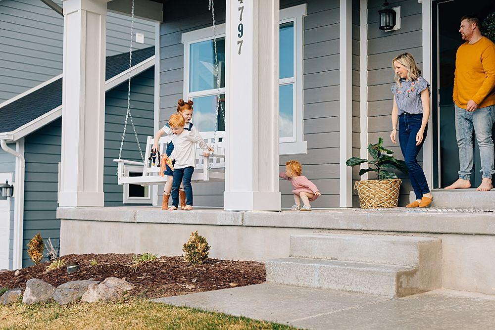 Truly Front Porch Series In 2020 Family Posing Herriman Utah