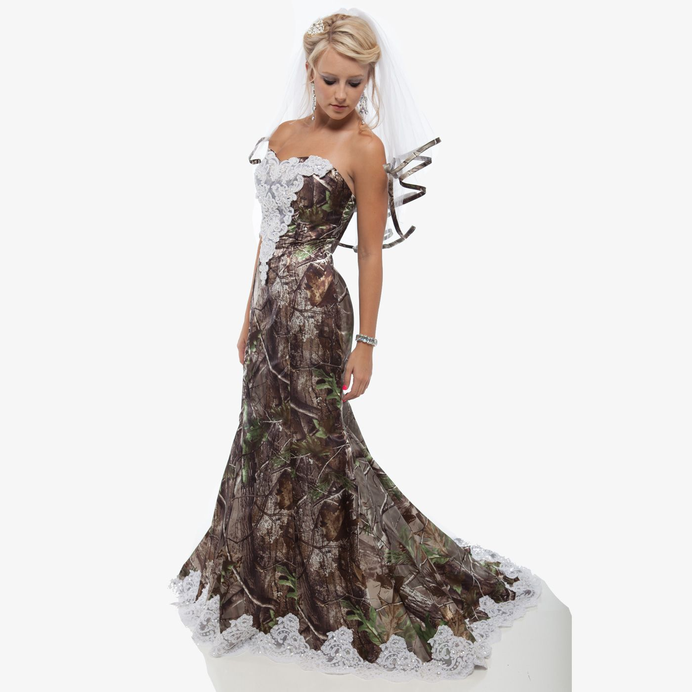 Realtree Camo Mermaid Wedding Gown With Lace And Sweep Train Camo Wedding Dresses Camouflage Wedding Dresses Camo Wedding Dress