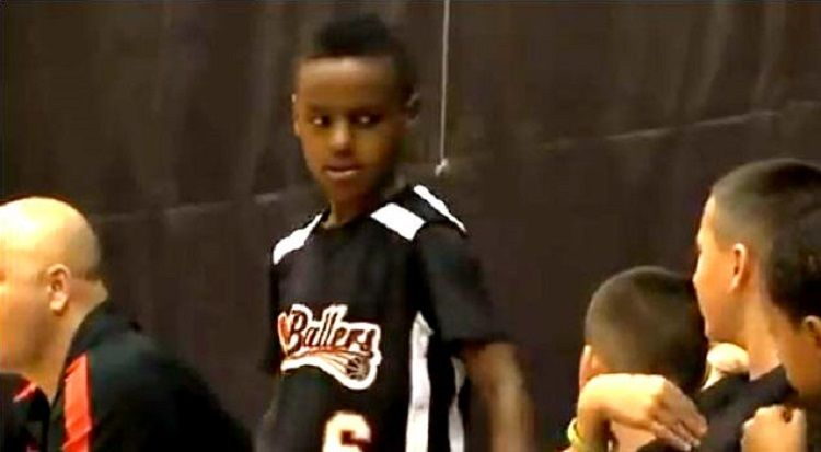 Mira cómo juega el hijo de LeBron James con sólo 9 años. ¿Madera de crack? (Vídeo) - @KIAenZona #baloncesto #basket #basketbol #basquetbol #kiaenzona #equipo #deportes #pasion #competitividad #recuperacion #lucha #esfuerzo #sacrificio #honor #amigos #sentimiento #amor #pelota #cancha #publico #aficion #pasion #vida #estadisticas #basketfem #nba
