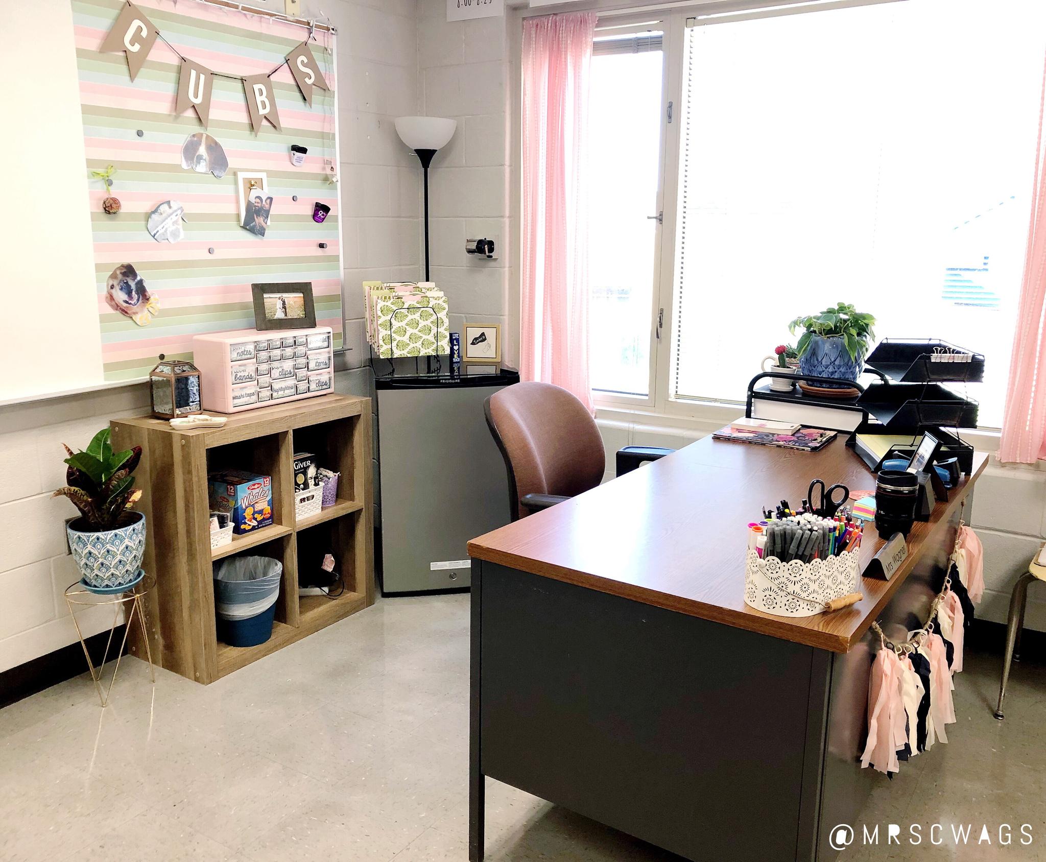 Pink Mint And Navy Classroom Decor Teacher Desk Space For English I Teacher Whiteboard Decorations Pink Classroom Decor Classroom Seating Pink Classroom