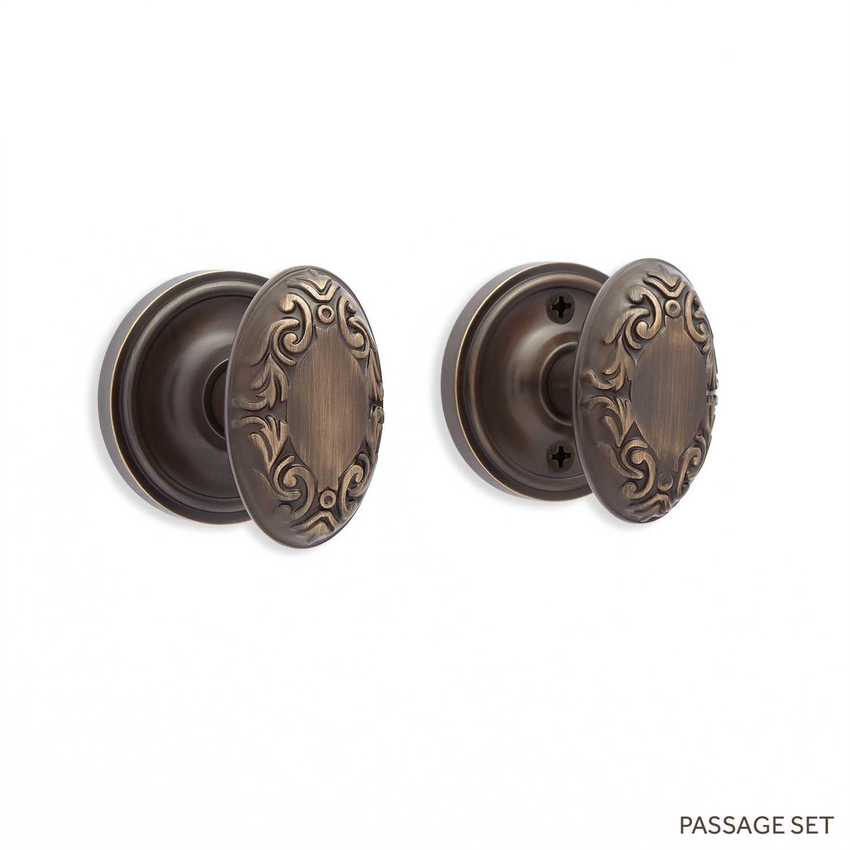 Coline Beveled Rosette & Victorian Oval Knob Set - Passage - Antique Brass