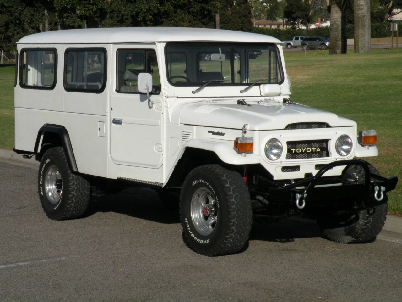 Toyota land cruiser fj45 troop carrier 1980