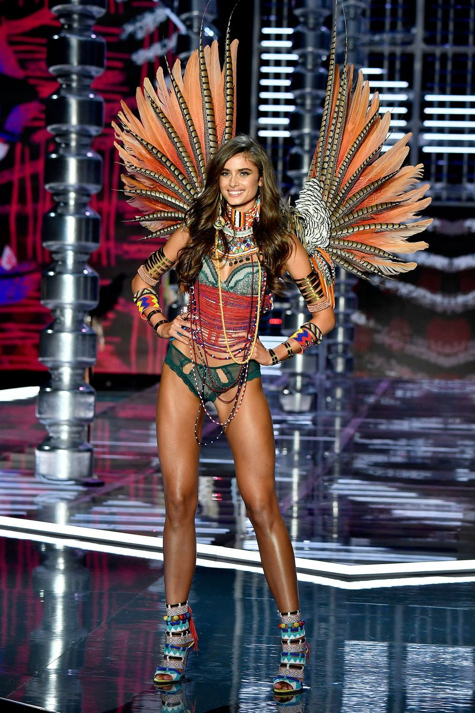 Pin By Clay Roberts On Victoria S Secret Victoria Secret Fashion Show Victoria Secret Victoria Secret Runway
