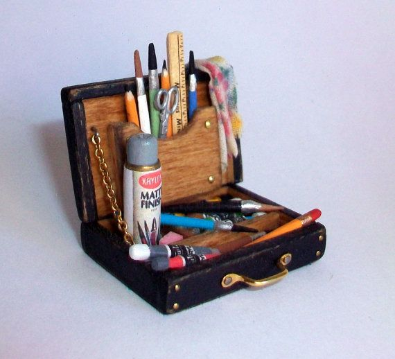 Miniature Artist Paint Box 1 inch dollhouse by MarquisMiniatures