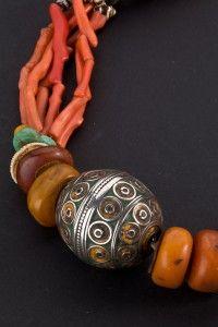 Ethnic jewelry Love the tribal look!