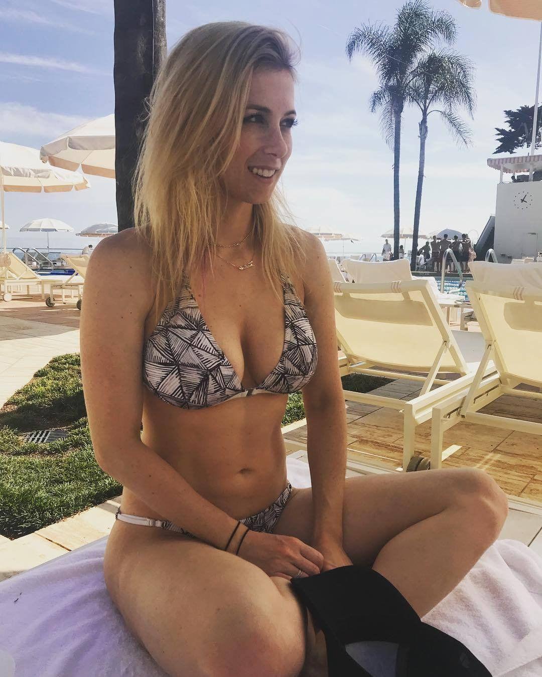 Iliza shlesinger bikini