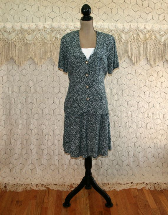 90s Dress Rayon Short Sleeve Day Dress Secretary by MagpieandOtis