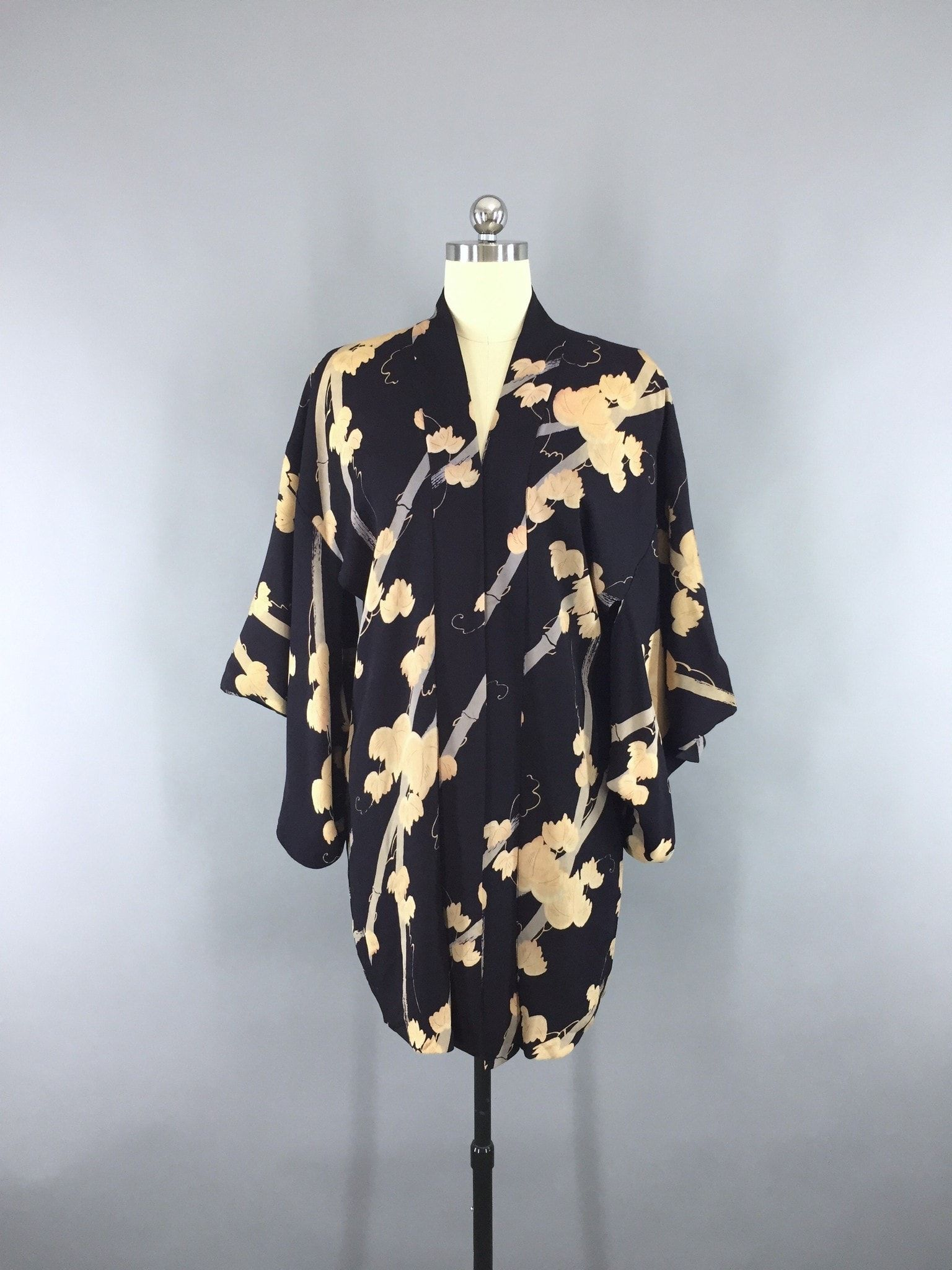 Vintage 1940s Haori Silk Kimono Jacket Cardigan with Navy Blue ...