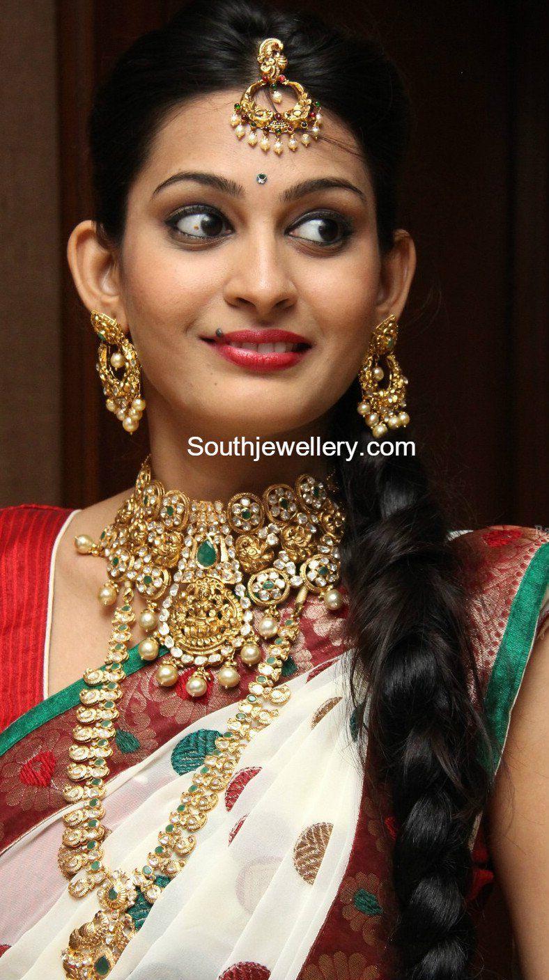 Suhasini in gundla haram jewellery designs - Lakshmi Pacchi Choker And Mango Mala Photo