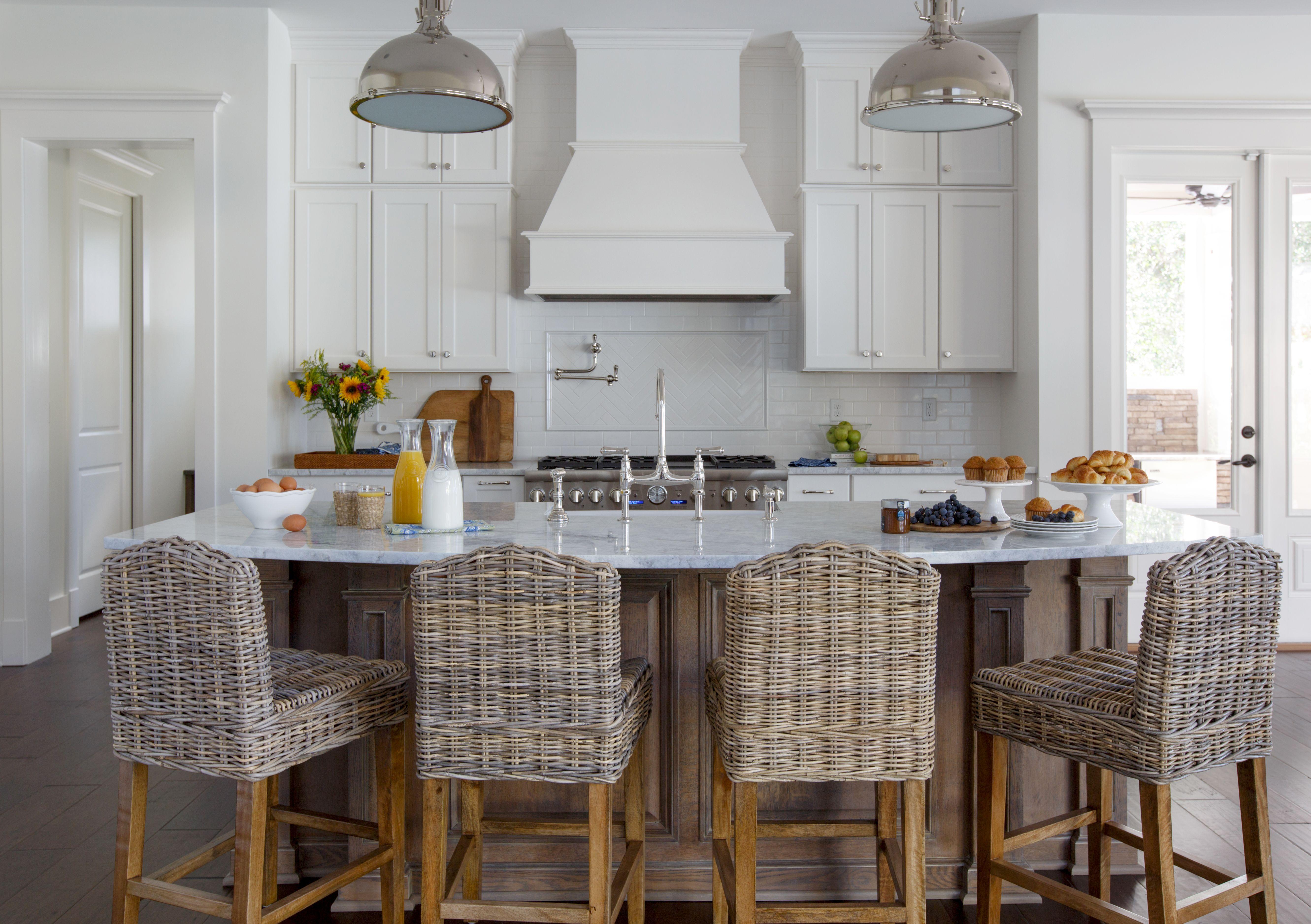 Classic Kitchen Design By Lauren Leonard Interiors Curved
