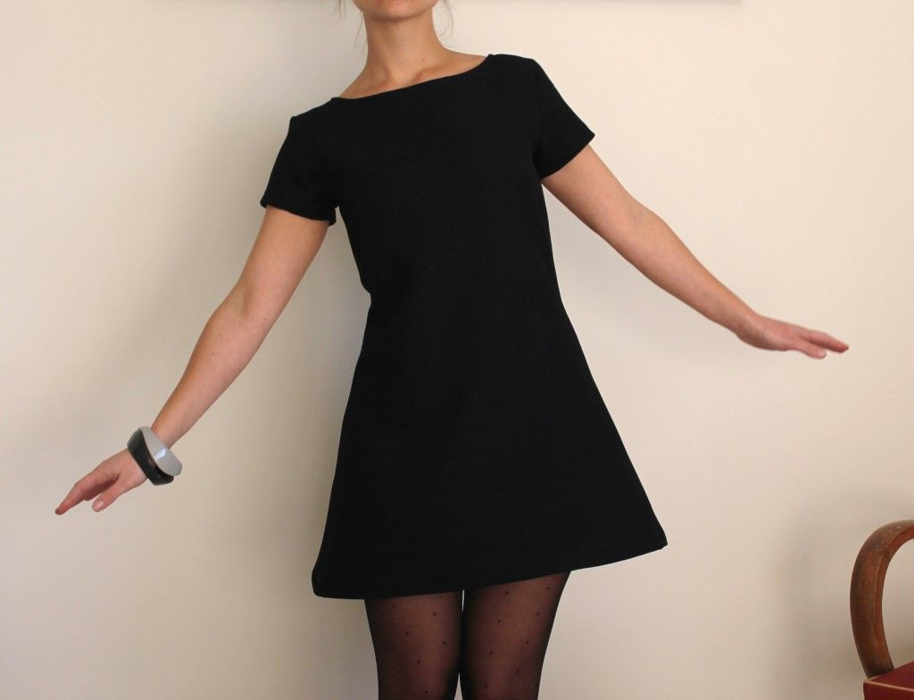 Petite robe noire cintree
