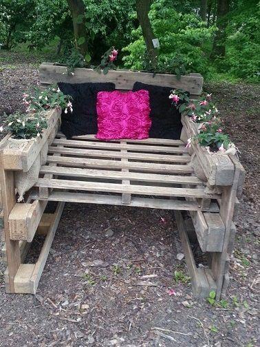 Les palettes font la déco du jardin | Fauteuils de jardin ...