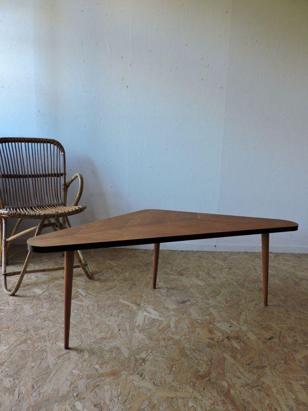 Table basse tripode vintage | Côte et Vintage | Pinterest