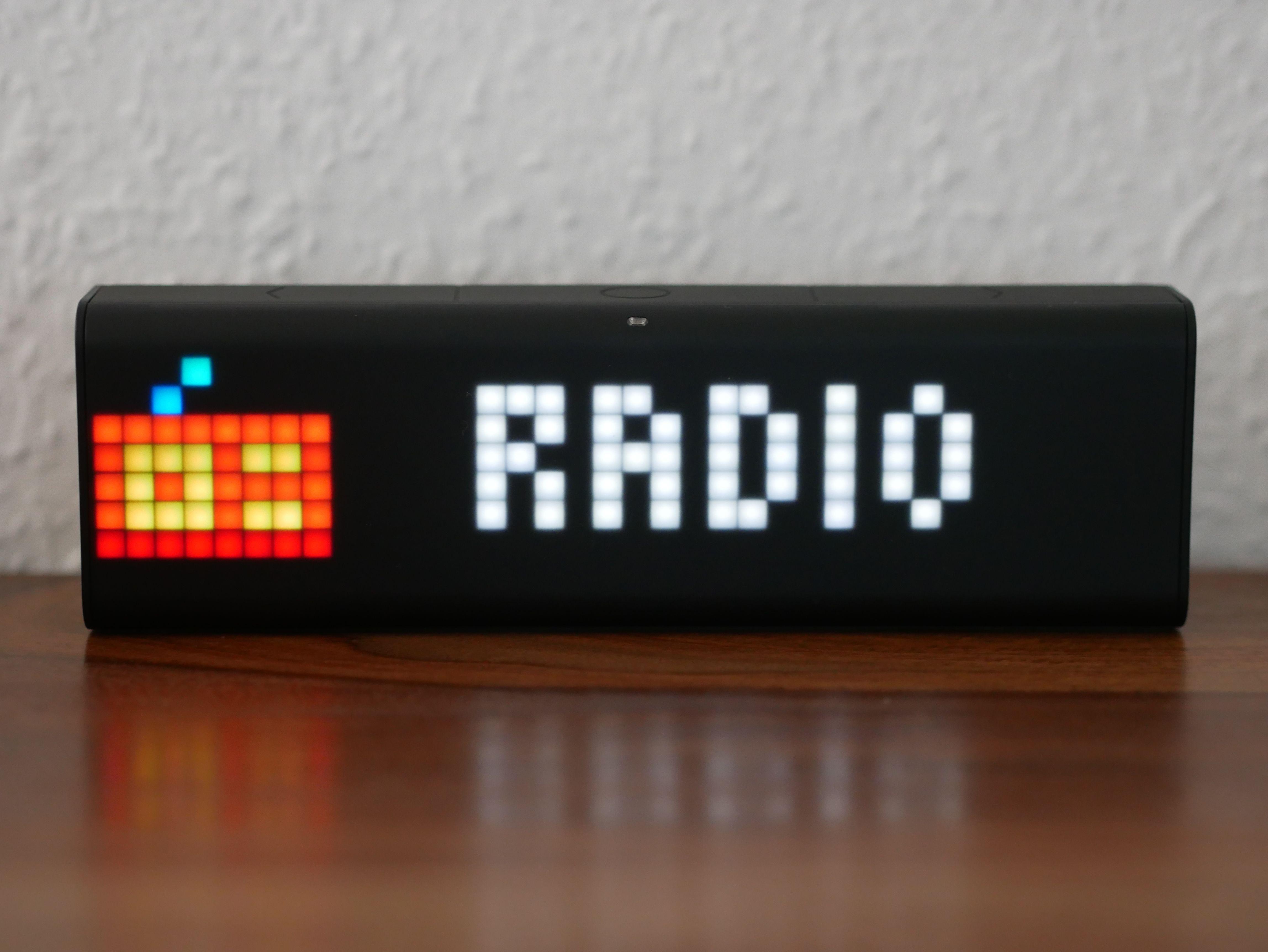 LaMetric Time: Smarte WLAN-Uhr / Internetwecker im Test: https://www.housecontrollers.de/allgemein/lametric-time-test-wlan-uhr/