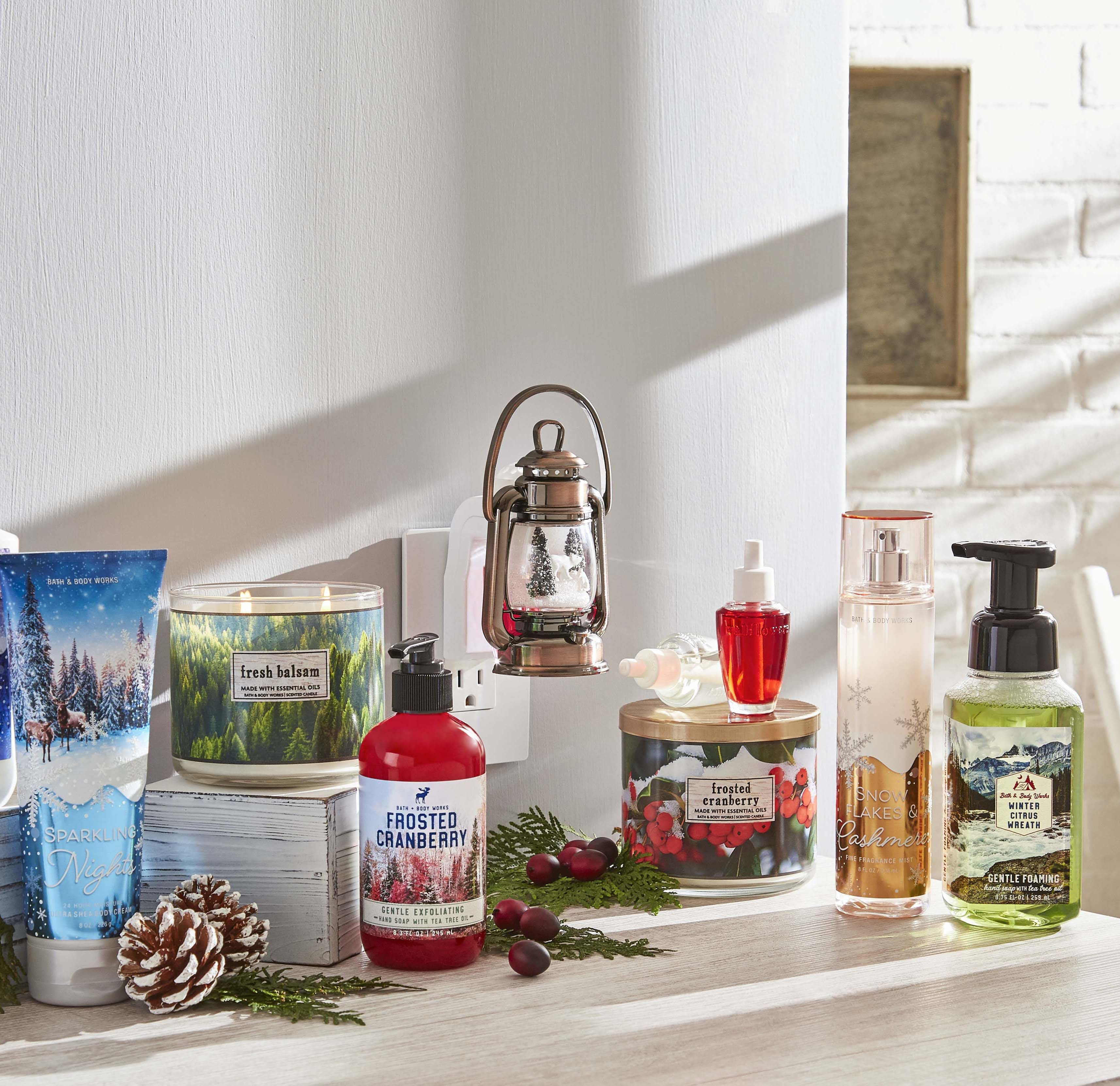 Snowy Lantern Scene Nightlight Wallflowers Fragrance Plug in 2018