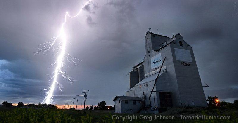 2011 FAVORITES - Photo Gallery - Canadian Storm Chaser, Tornado Hunter, Photographer, Speaker Greg Johnson