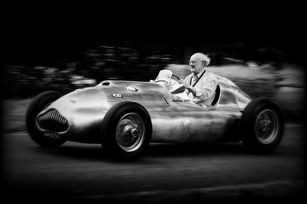race...     Von   Bernd Ernst