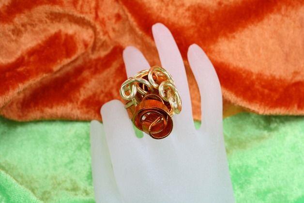 Spiralringe - Ring, Aluminiumdraht, gold und messingfarben - ein Designerstück von trixies-zauberhafte-Welten bei DaWanda