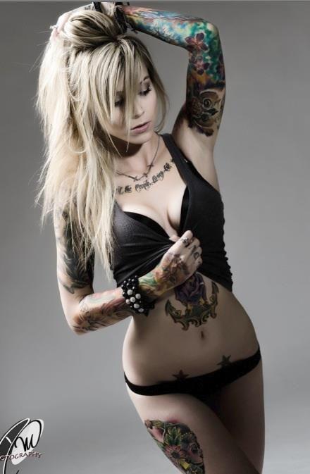 Hot blonde ink girl