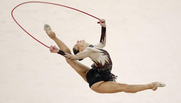 La gimnasia r tmica deportiva debuto como deporte oficial for Deportes de gimnasia