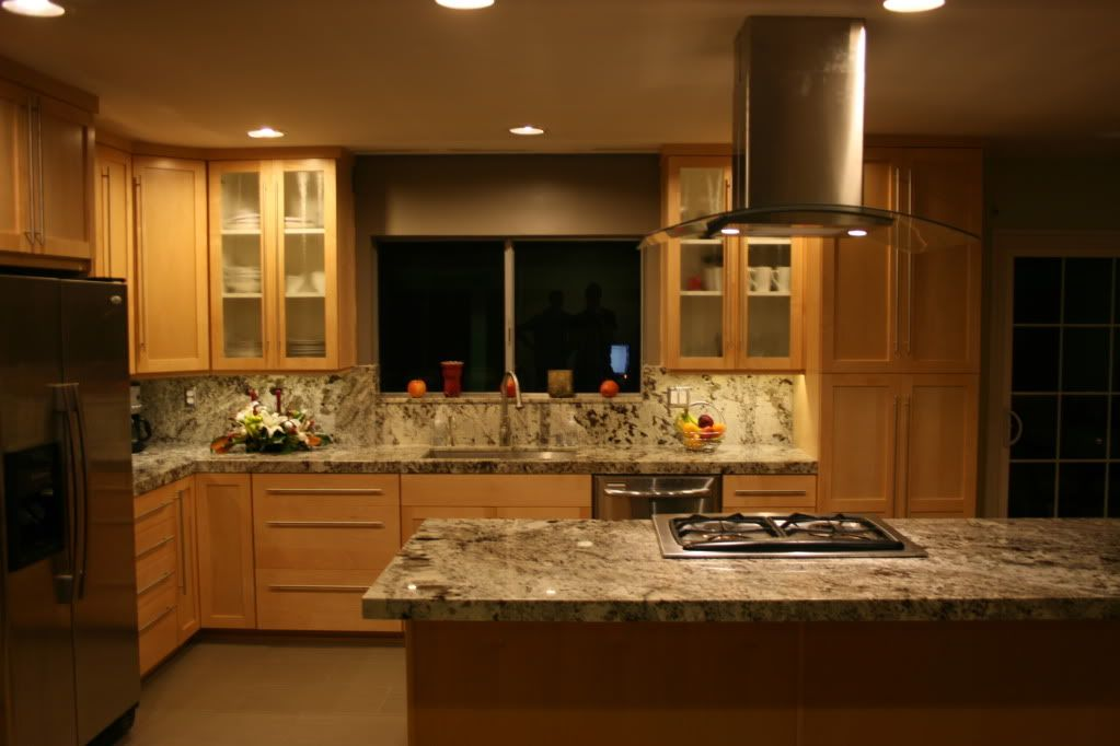 White Granite With Maple Cabinets | ... granite.. but i ... on Natural Maple Cabinets With Black Granite Countertops  id=31729