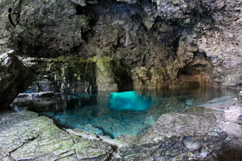 Cyprus Lake And The Grotto Bruce Peninsula National Park