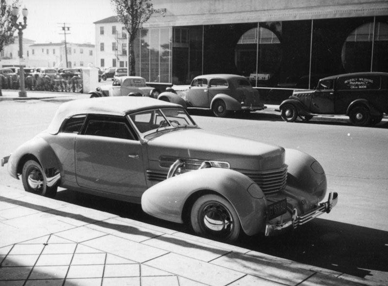 Car Dealerships In Lancaster Ohio >> The year is around 1937 and the art deco car in the foreground is parked next to the Beverly ...