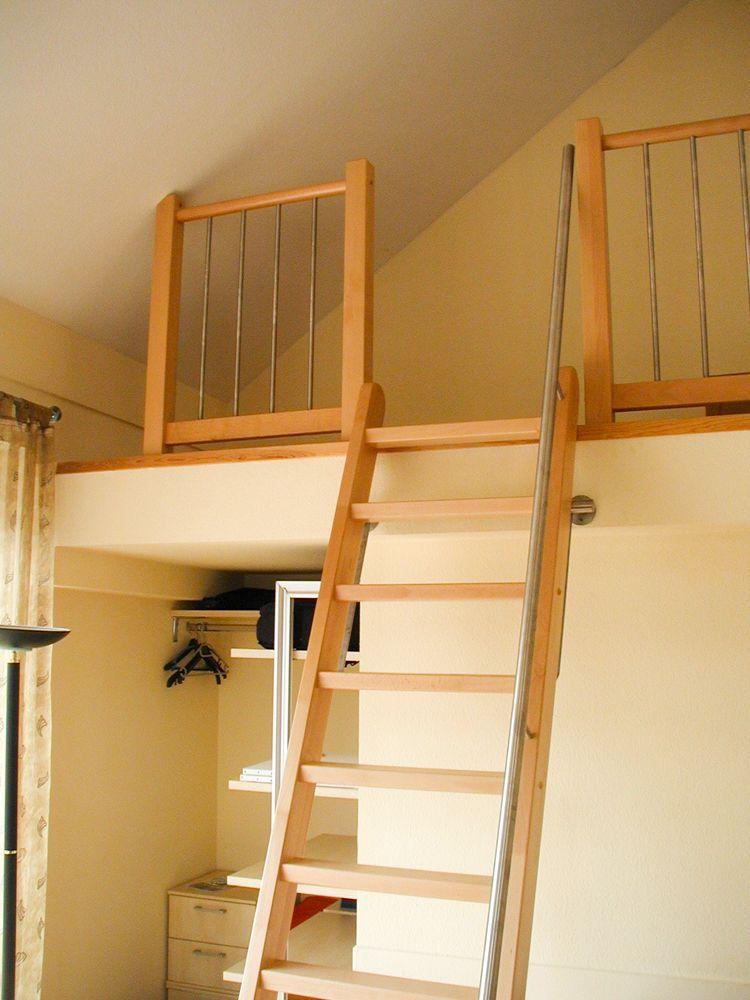 leitertreppe aus buche parkett mit edlestahlhandlauf. Black Bedroom Furniture Sets. Home Design Ideas